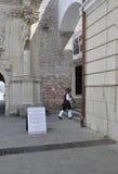 Alba Carolina, 15 juni: Wacht bij Poort III van Alba Carolina Fortress in Roemenië Royalty-vrije Stock Afbeeldingen