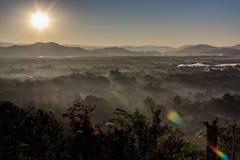 Alba con nebbia Immagini Stock Libere da Diritti