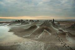 Alba dei vulcani del fango Fotografia Stock
