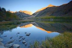 Alba del nord del lago fotografie stock libere da diritti