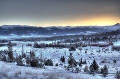 Alba della montagna di Snowy immagini stock libere da diritti