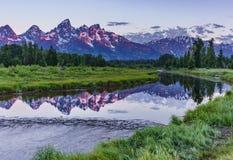 Alba della montagna sopra il fiume Snake immagini stock libere da diritti