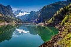 Alba della primavera nel lago della montagna in Gosau, alpi, Austria Fotografia Stock Libera da Diritti
