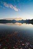 Alba della sosta nazionale del ghiacciaio sopra le montagne Fotografie Stock