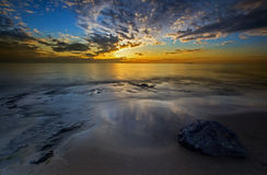 Alba della spiaggia di Bamburgh Immagine Stock Libera da Diritti