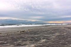 Alba della spiaggia di inverno Fotografia Stock