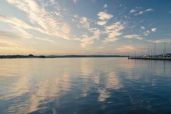Alba di Cloudly sopra Vistola Smiala Fotografie Stock