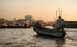 Alba di galleggiamento del mercato di Can Tho Fotografia Stock