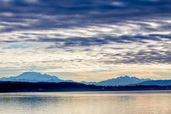 Alba di inverno sopra il confine Fotografia Stock