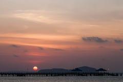 Alba di mattina al ponte di Rawai, Phuket Immagine Stock