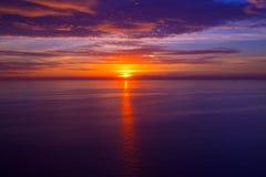 Alba di tramonto sopra il mar Mediterraneo Fotografia Stock Libera da Diritti