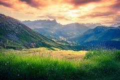 Alba drammatica nelle alpi della dolomia Fotografie Stock