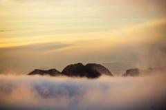 Alba e nebbia fotografia stock libera da diritti