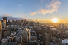 Alba e nebbia San Francisco del centro fotografie stock libere da diritti