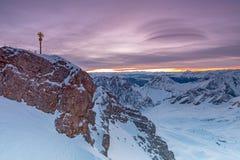 Alba en cumbre de la montaña de Zugspitze foto de archivo libre de regalías
