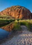 Alba a Glen Helen Gorge, Territorio del Nord, Australia fotografia stock