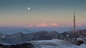 Alba, insieme della luna Fotografie Stock Libere da Diritti