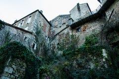 Alba-La-lattuga romana del castello, Rhone-Alpes, Francia Immagini Stock