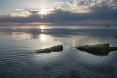 Alba in Mar Nero con il bello cielo Fotografie Stock Libere da Diritti