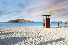 Alba Mediterranea idilliaca della spiaggia Fotografie Stock Libere da Diritti
