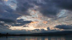 Alba Mediterranea variopinta in autunno archivi video