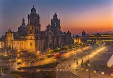 Alba metropolitana Zocalo Città del Messico Messico della cattedrale fotografia stock
