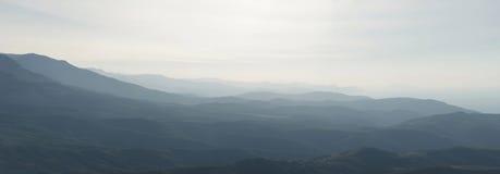 Alba in montagna della Crimea fotografia stock libera da diritti