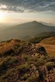 Alba in montagne di Bieszczady, Polonia Fotografia Stock Libera da Diritti