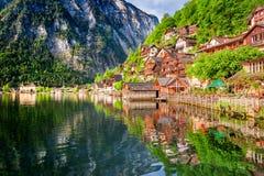 Alba nel lago della montagna in Hallstatt, alpi, Austria Fotografie Stock Libere da Diritti