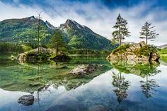 Alba nel lago Hintersee in alpi Fotografie Stock