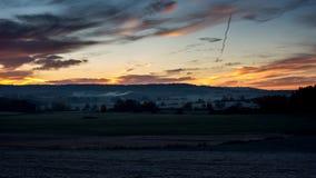 Alba nel paesaggio di autunno della repubblica Ceca, Timelapse video d archivio