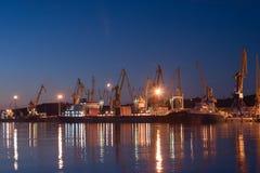 Alba nel porto marittimo di Feodosia Fotografie Stock