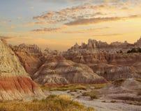 Alba nel Sud Dakota del parco nazionale dei calanchi Immagine Stock Libera da Diritti