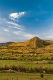 Alba nella montagna con cielo blu Fotografia Stock Libera da Diritti