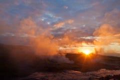 Alba nella valle del geyser Fotografie Stock Libere da Diritti