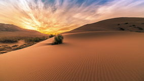 Alba nelle dune di sabbia di canto in Altyn Emel 4K TimeLapse - settembre 2016, Almaty ed Astana, il Kazakistan stock footage