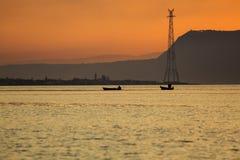Alba nello stretto di Messina Fotografia Stock Libera da Diritti