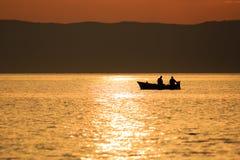 Alba nello stretto di Messina Fotografie Stock Libere da Diritti