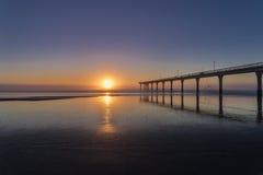Alba a nuova Brighton a Christchurch, Nuova Zelanda immagini stock