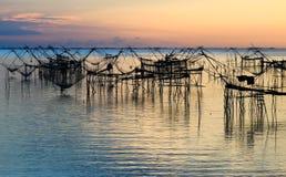 Alba a Pakpra, lago Talay noi, provincia di Phatthalung, Tailandia Immagini Stock