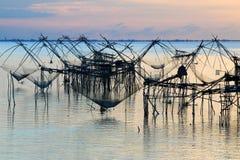 Alba a Pakpra, lago Talay noi, provincia di Phatthalung, Tailandia Fotografie Stock Libere da Diritti