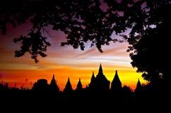 Alba scenica sopra Bagan nel Myanmar Immagini Stock