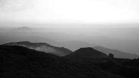 Alba senza tempo sopra le nubi, Himalayans Immagini Stock