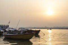 Alba sopra Gange, Varanasi, India Fotografia Stock