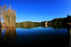 Alba sopra il lago Immagine Stock