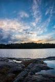 Alba sopra il lago della foresta Fotografia Stock Libera da Diritti