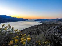 Alba sopra il lago Kamloops Fotografia Stock Libera da Diritti