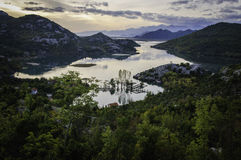 Alba sopra il lago skadar Fotografie Stock Libere da Diritti