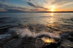 Alba sopra il lago Superiore nel Michigan del Nord, U.S.A. Fotografia Stock Libera da Diritti