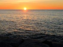 Alba sopra il mar Mediterraneo Fotografia Stock Libera da Diritti